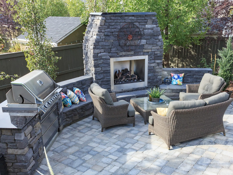 Outdoor Fireplaces and Kitchen Ideas
